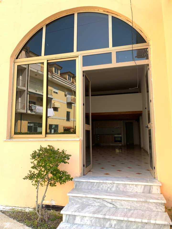 2 квартиры 1+1 (в студийной версии) 76,1 м2 за 450 €/м2. Голем.