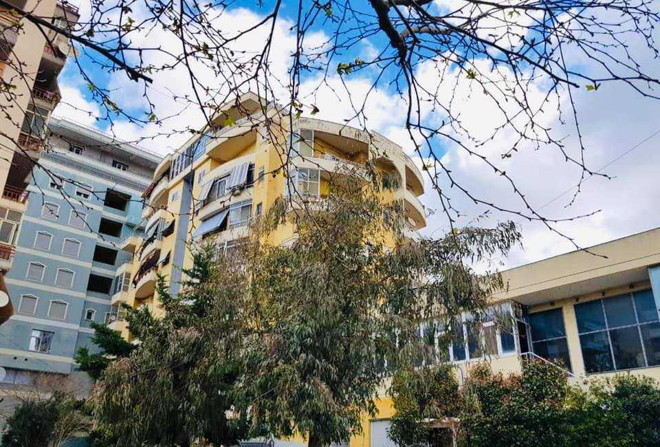 Квартира общей площадью 260 м2 3+1 в городе Влёра