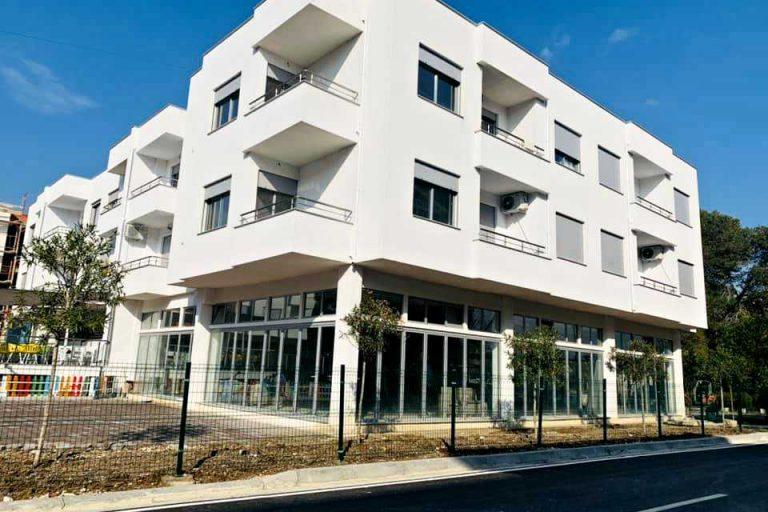 Трехкомнатная квартира 2+1, 90 m2 в Голем