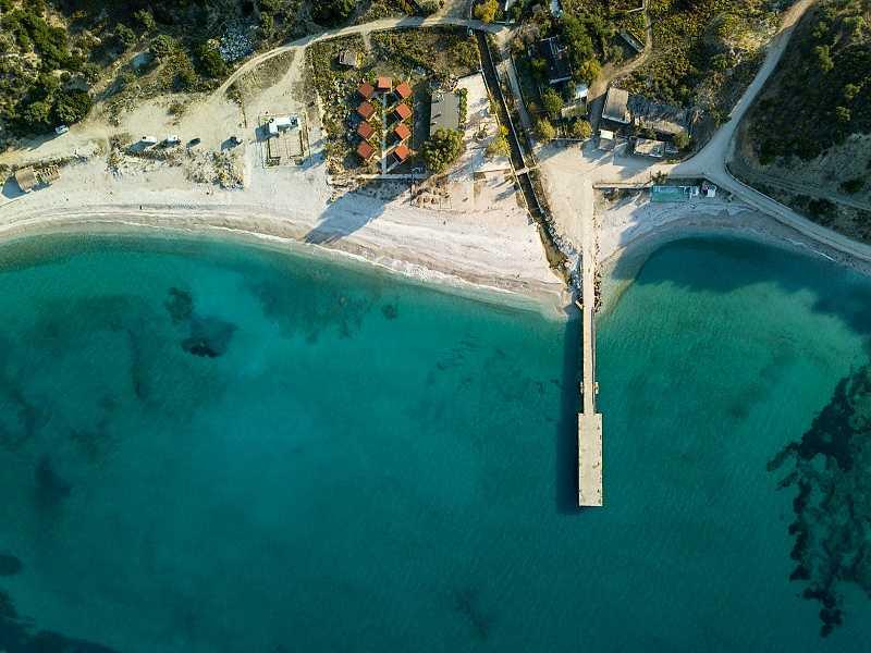 Галечный пляж Бунец часто упускается из виду путешественниками © A Daily Odyssey / Shutterstock
