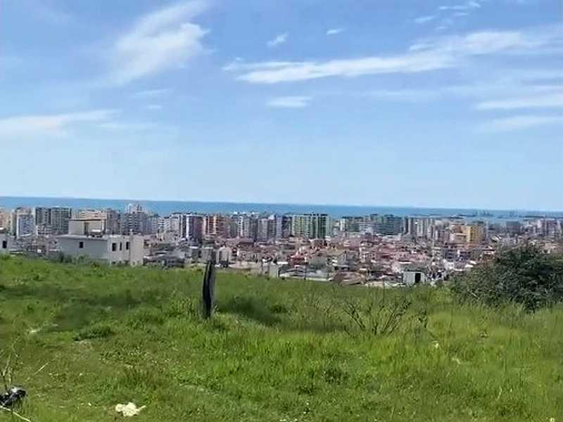 Участок 3000 м2 за 100 €/м2 на вершине холма города Дуррес