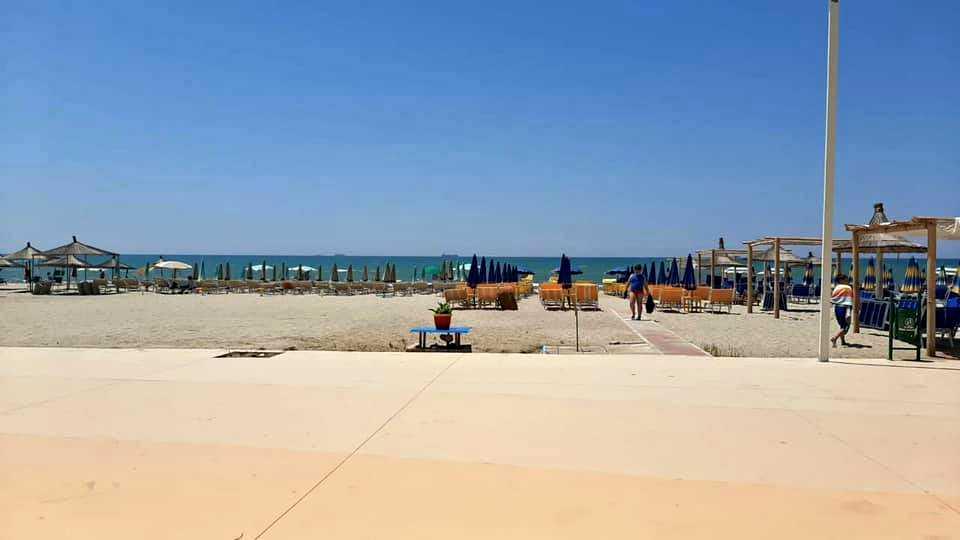 Две двухкомнатных квартиры 1 + 1. 70 м2. Пляжи Шкемби-Кавайес/Дуррес.