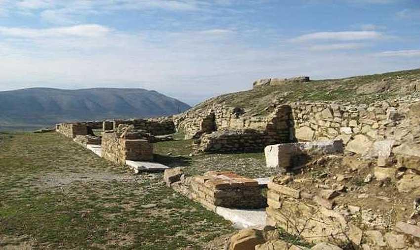 Древний город Фойнике.