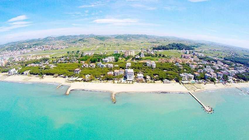 Дуррес — второй из больших городов Албании