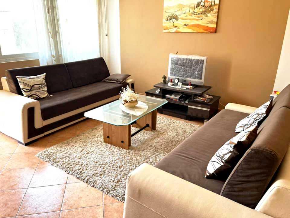 Двухкомнатная квартира 1 + 1. 74 м2. Голем/Дуррес