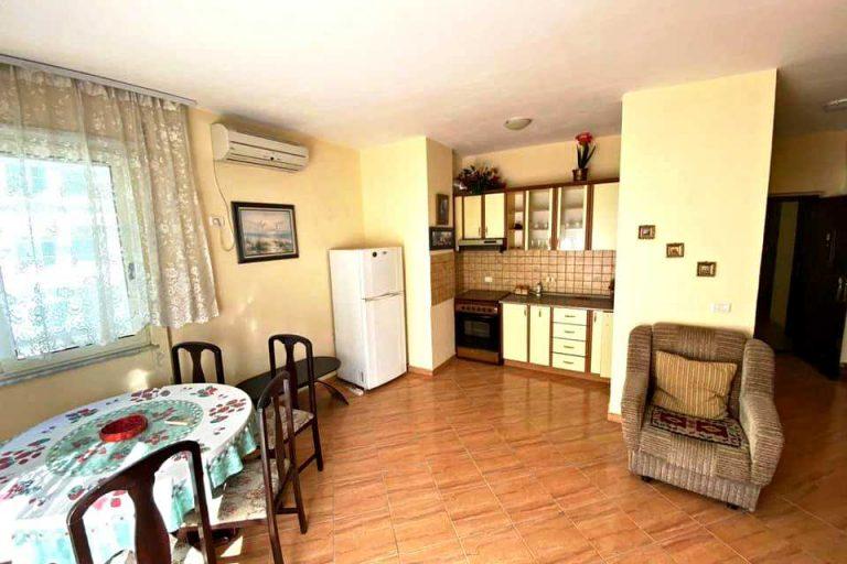 Двухкомнатная меблированная квартира 1 + 1. 70м2. Голем/Дуррес