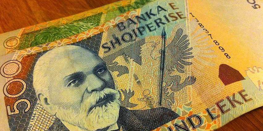 Какая валюта в Албании?