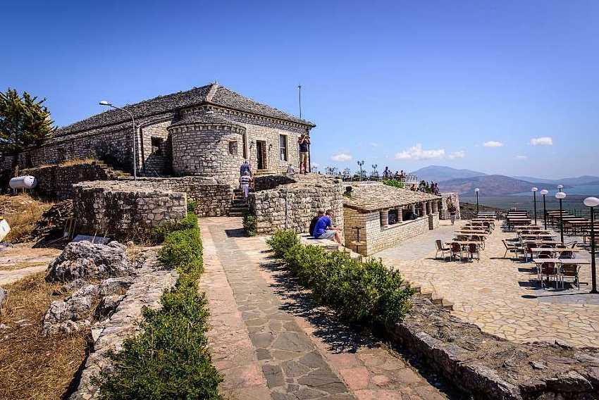 Крепость Лекурес.