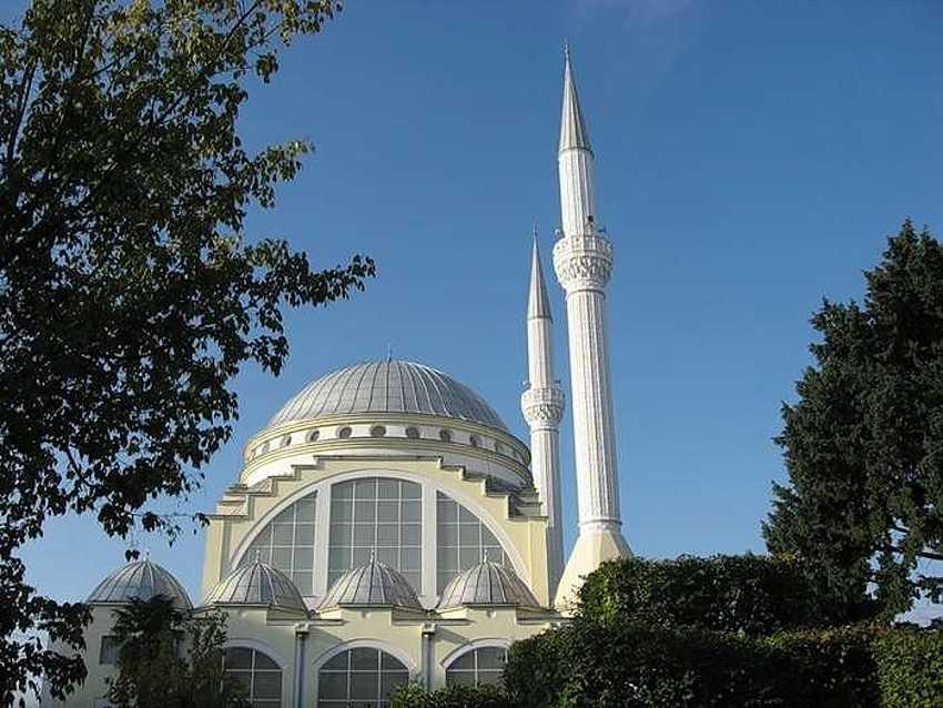 Мечеть шейха Замила Абдуллы Аль-Замиля.