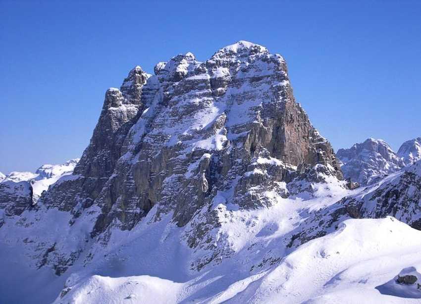Снег в Албании лежит только высоко в горах