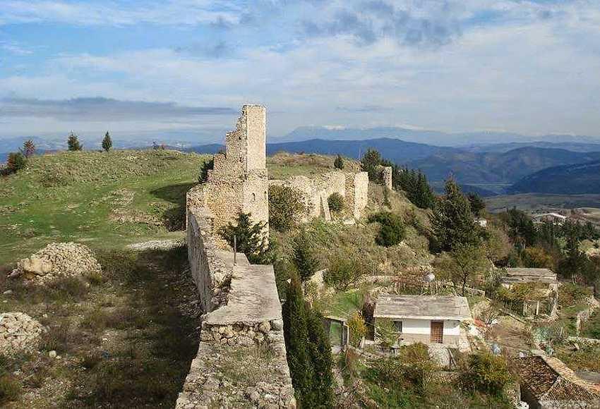 Замок Канина.