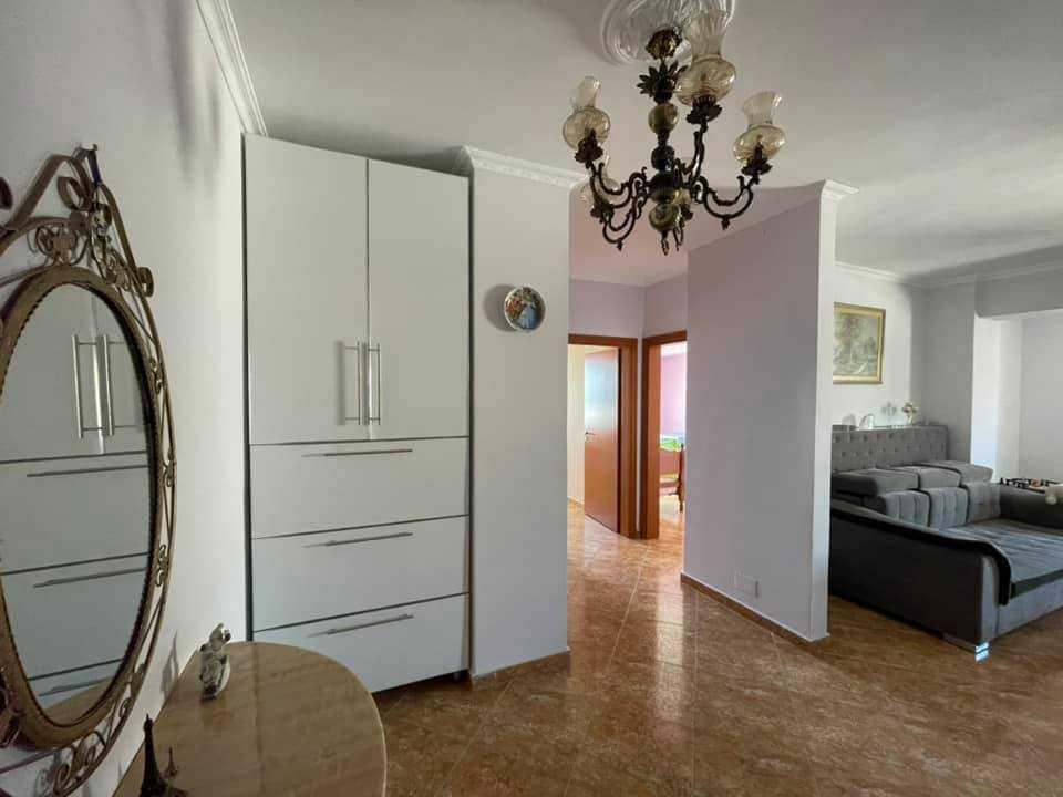 Четырехкомнатная квартира 3 + 1. 132м2 + гараж. Дуррес