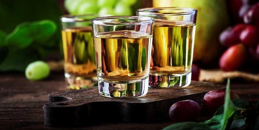 Напитки в Албании