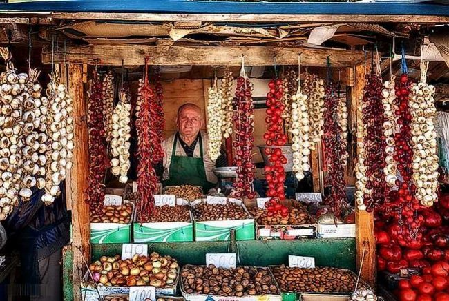 Особенности шоппинга в Албании.