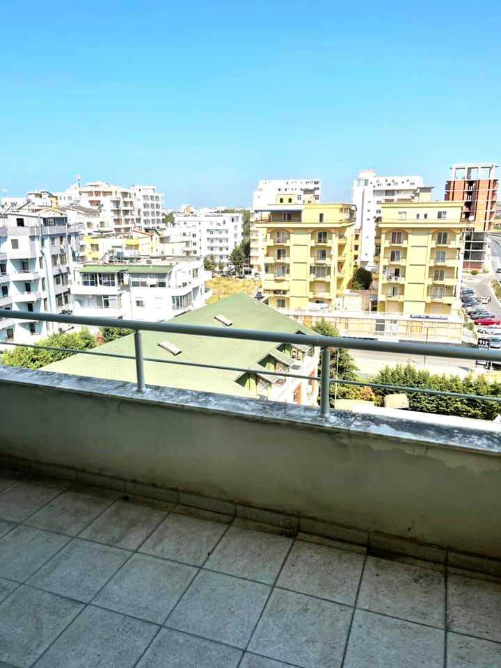 Студия с балконом в новостройке 42м2 Голем/Дуррес
