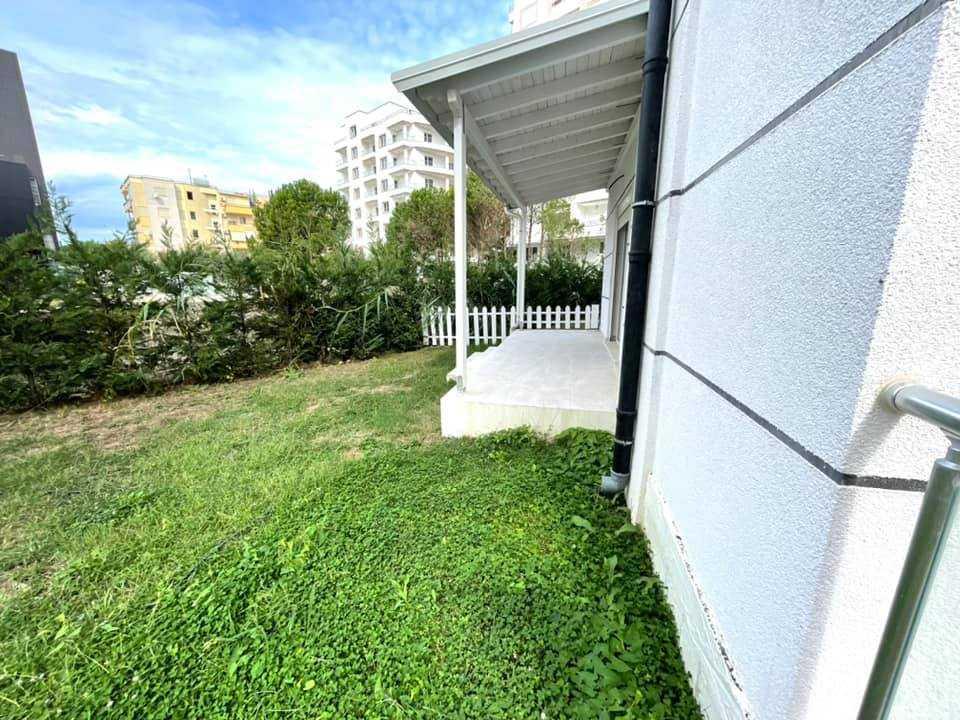 Двухкомнатная квартира с террасой и частным садом 1 + 1. 60 м2. Дуррес